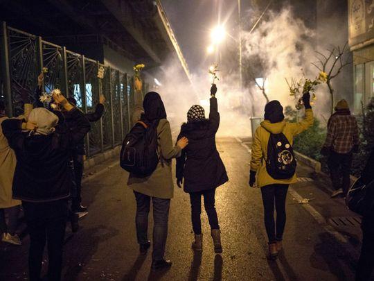 یادداشت شیرین عبادی در سالگرد اعتراضات آبان ۹۸: خیابان عرصه نمایش قدرت مردم است