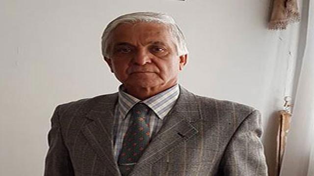 دکتر سیفزاده: تغییر رژیم از حقوق مسلم و تردید ناپذیر مردم است