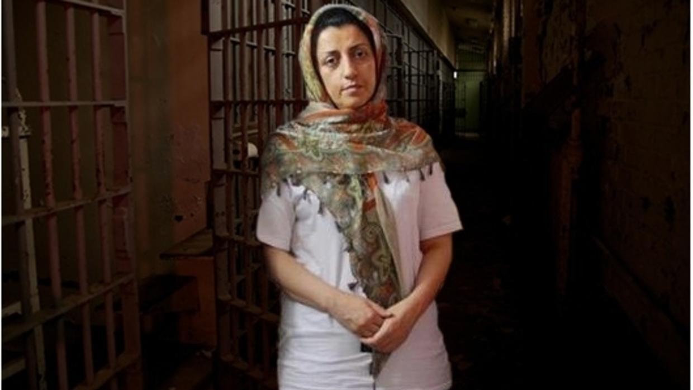 ابراز نگرانی عذرا بازرگان، مادر نرگس محمدی، در پی وخامت حال وی