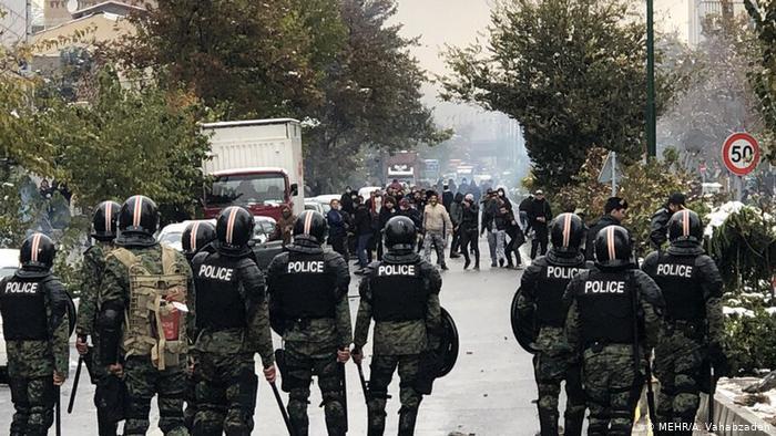 فدراسیون بین المللی جامعه های حقوق بشر: دولتمردان ایران باید به سرکوب مرگبار معترضان خاتمه دهند