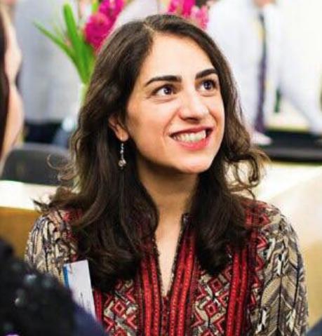 صدها تن ازهنرمندان و نویسندگان ایرانی خواستار بازبینی در حکم ارس امیری شدند