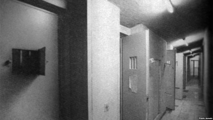 سلول انفرادی در قوانین جاری از مصادیق شکنجه تلقی شده است