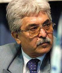محمد سیفزاده: امکان اعاده دادرسی پرونده زهرا کاظمی وجود دارد